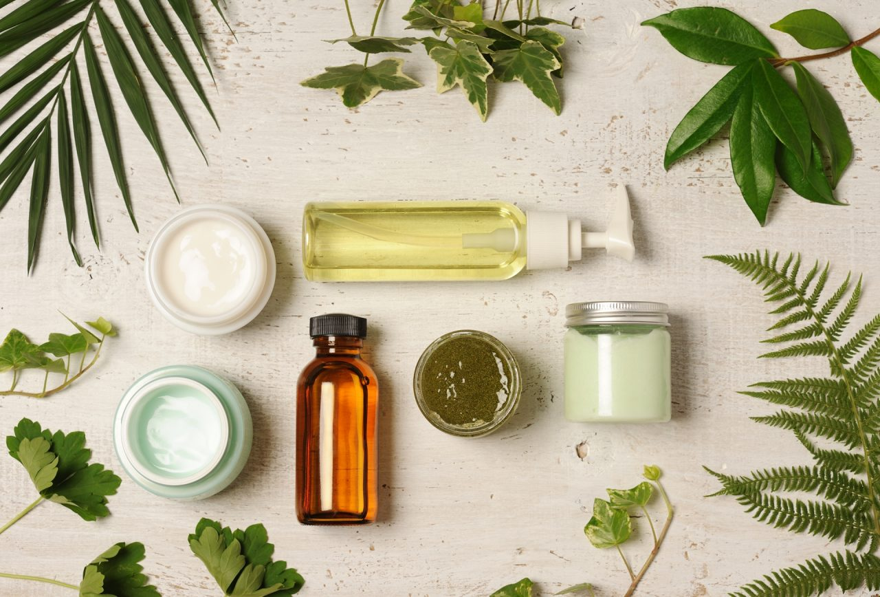 green-cosmetic-arrangement-PBLCEJT-012-1280x868.jpg
